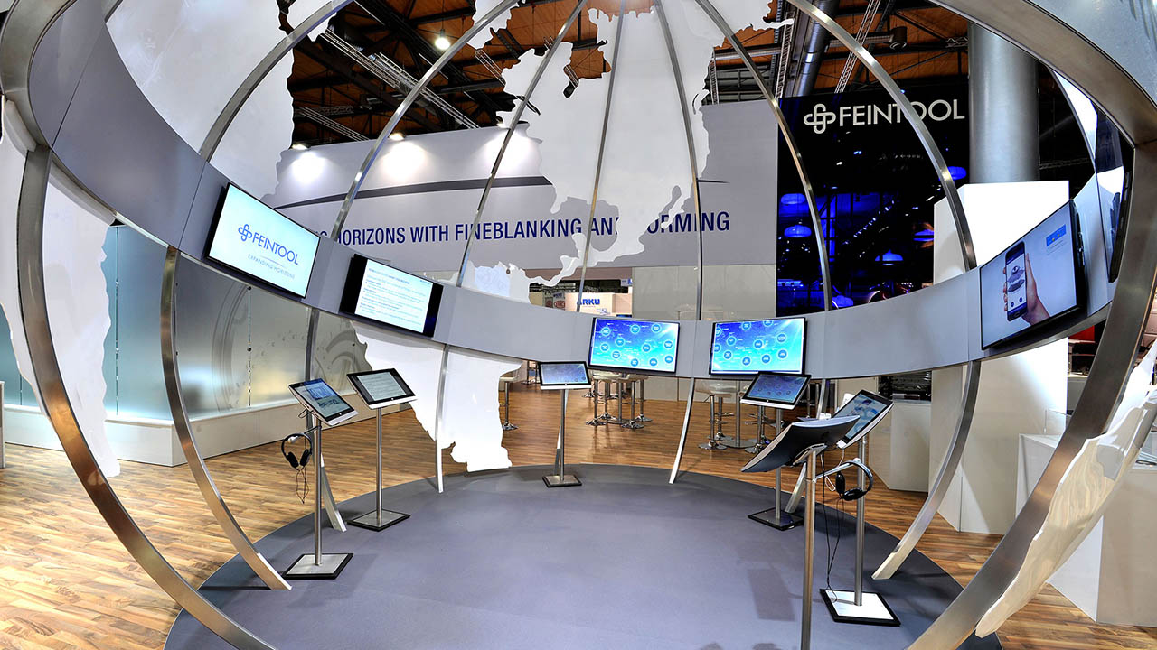 iGLOBE - runder multimedialer Infopunkt - Innenansicht
